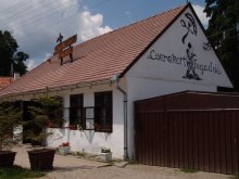 Bed & breakfast Cuchiniș, Cserekert Inn