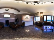 Accommodation Poienile, La Strada Hotel