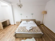 Bed & breakfast Scutelnici, FDRR Airport Guesthouse