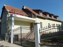 Accommodation Valea Inzelului, Four Season