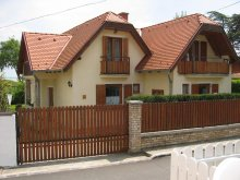 Vacation home Balatonkenese, Tornai House