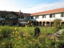 Accommodation Esztergom, Lovas Zugoly Riding School and Country House
