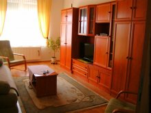 Apartament județul Vas, Apartament Golf