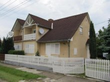 Apartment Balatonkeresztúr, KE-03: Vacation house for 8-12 persons with beautiful garden