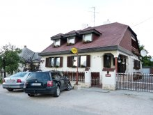 Accommodation Győr-Moson-Sopron county, Família Guesthouse