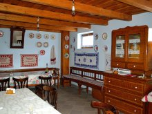 Accommodation Dealu Mare, Kékszilva Guesthouse