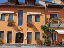 Bed and breakfast Lacurile, Ferdinánd B&B
