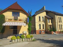 Bed & breakfast Parhida, Vila Tineretului B&B