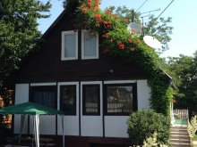 Guesthouse Balatonlelle, Napsugár Vacation House