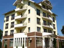Accommodation După Deal, Hotel Everest
