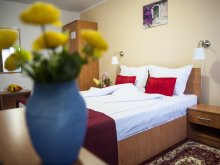 Accommodation Potlogeni-Deal, Hotel La Casa