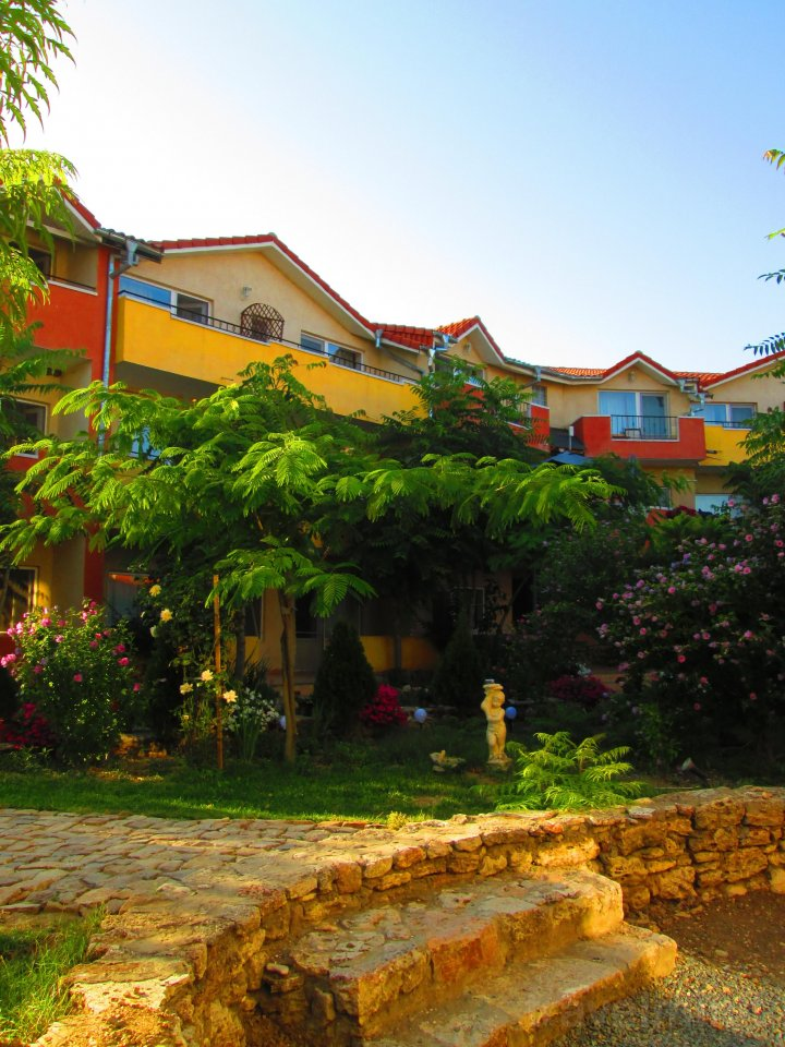 Hotel Jakuzzi Vama Veche — Travelminit.hu