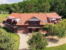 Team Building Package Hungary, Owl Castle Apartman