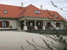 Bed & breakfast Ganna, Villa Tolnay Wine Residence