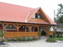 Bed & breakfast Sub Cetate, Sziklakert Guesthouse