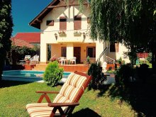 Bed & breakfast Balatonlelle, Flekken Guesthouse