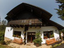 Chalet Niculcea, Ionela Chalet