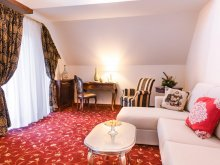 Accommodation Lunca (Moroeni), Hotel Boutique Belvedere