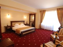 Accommodation Mamaia, Richmond Hotel